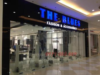 Biển Quảng Cáo Chữ Mica Hút Nổi - Showroom The Blue