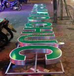 Biển quảng cáo chữ nổi mica Làm biển chữ nổi mica tại Hà Nội